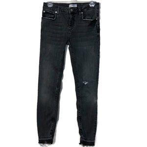 Zara Woman Black Frayed Hem Skinny Jeans Size 8